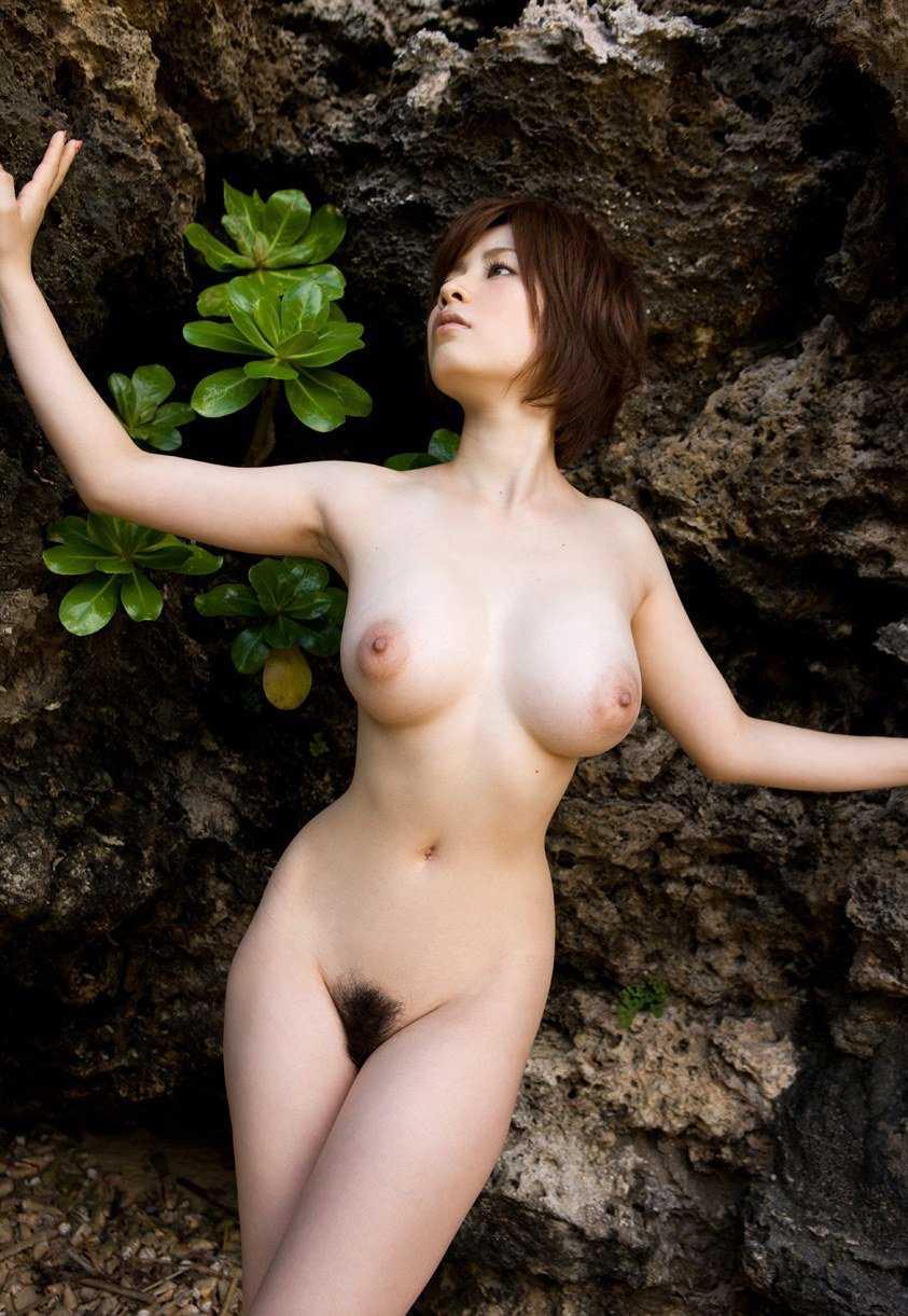 腰の細さがナイスバディのポイント (6)