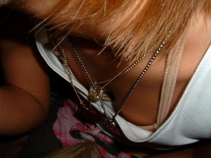 乳房とか乳頭を街で見かけた (3)