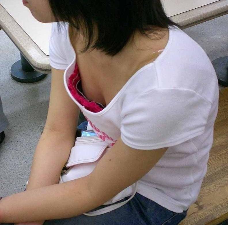 乳房とか乳頭を街で見かけた (18)