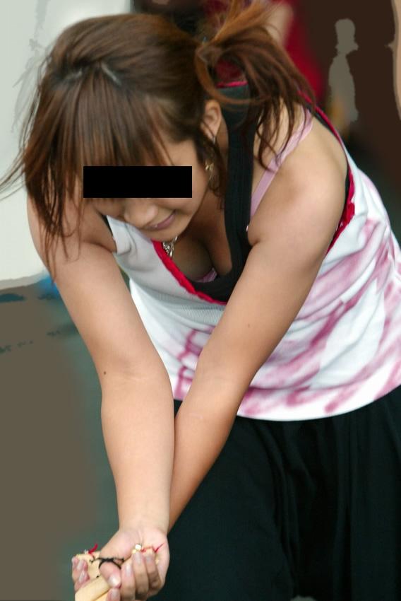 乳房とか乳頭を街で見かけた (11)