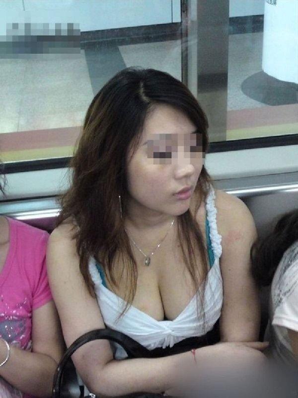 乳房とか乳頭を街で見かけた (5)