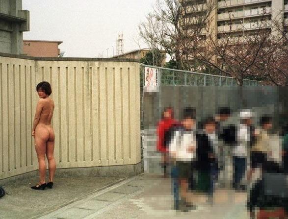 どこでも服を脱ぎたがる性癖の女の子 (10)