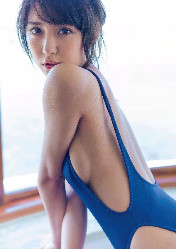 スレンダー美人が限界ショットに挑戦、石川恋 (4)