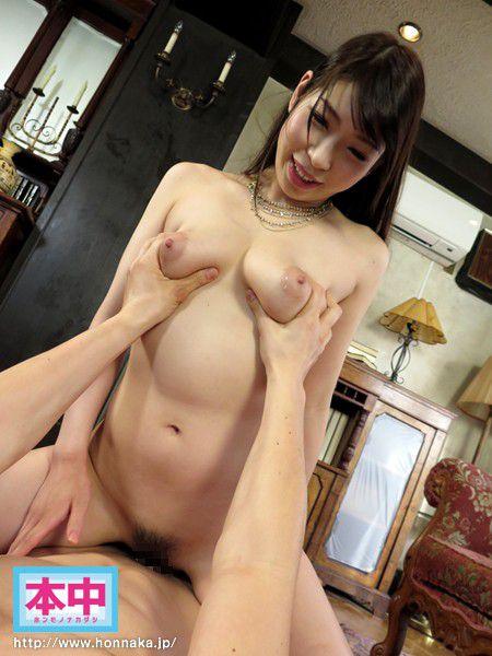 モデル体型な巨乳美女の中で射精、香山美桜 (14)