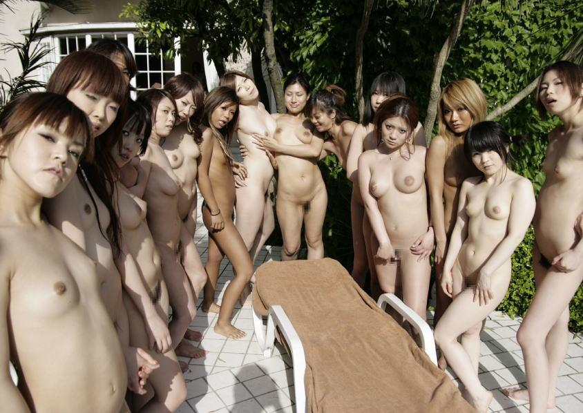 素っ裸の女の子がイッパイ (6)