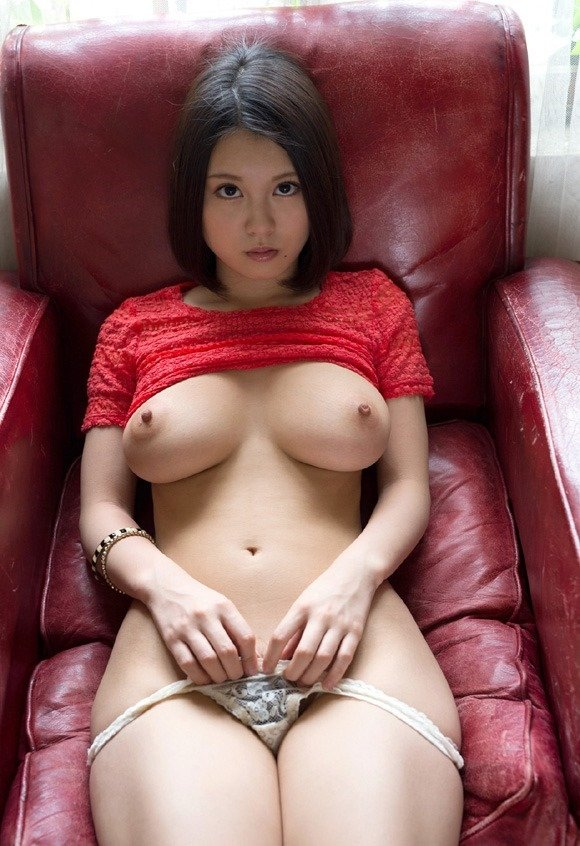デカい乳房を揺らしてSEXしまくる、松岡ちな (4)