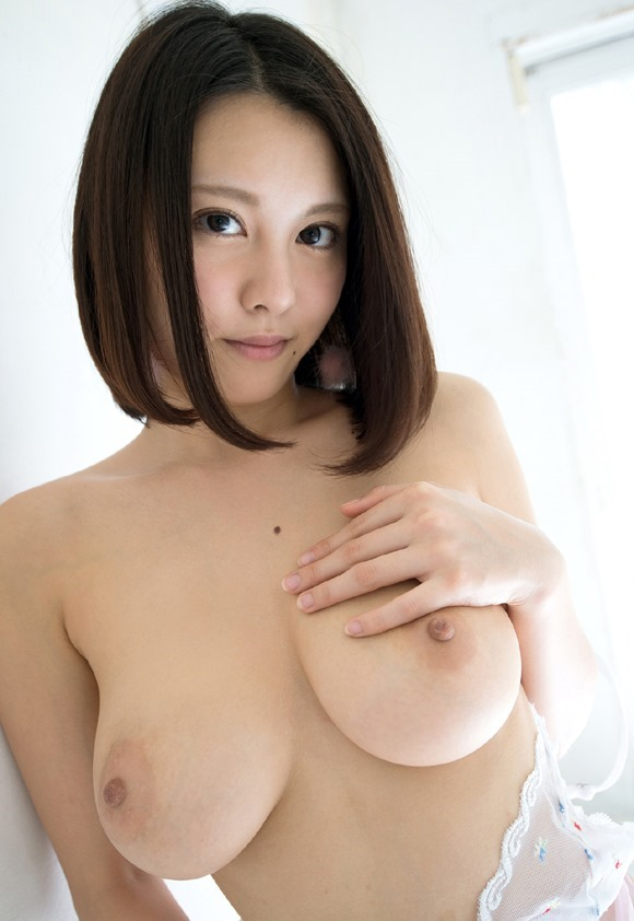 デカい乳房を揺らしてSEXしまくる、松岡ちな (9)