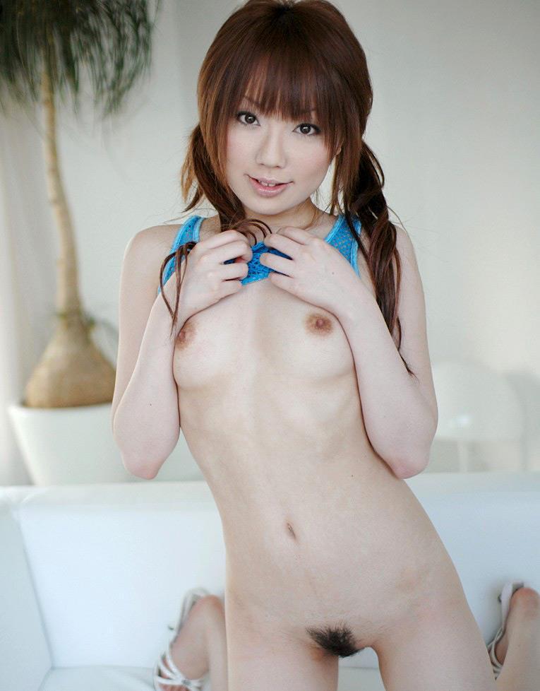 ちっちゃくてキュートな乳房が好き (13)
