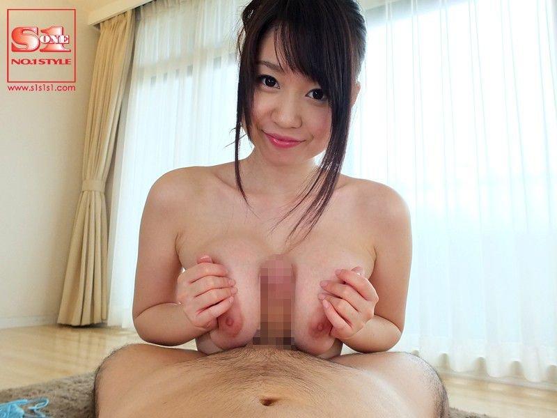 大きくて綺麗な乳房が見事な、夢乃あいか (15)