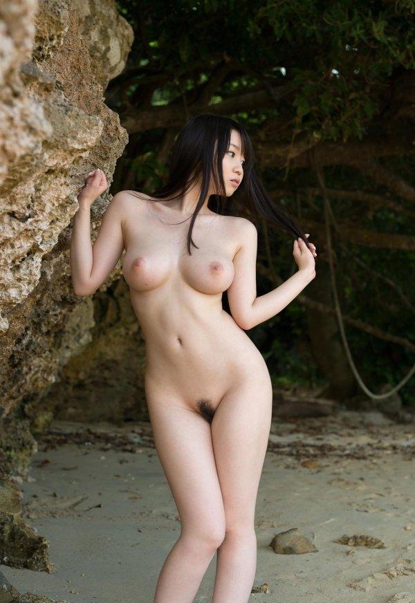 大きくて綺麗な乳房が見事な、夢乃あいか (12)