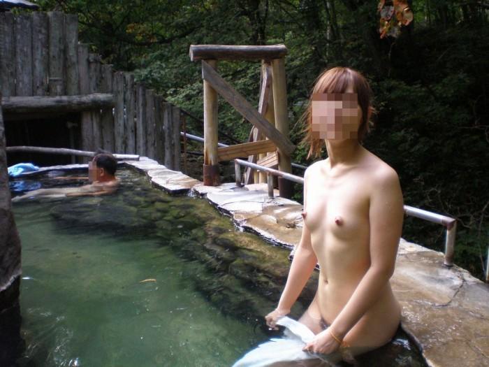 風呂にいた素っ裸の素人さんを撮影 (5)