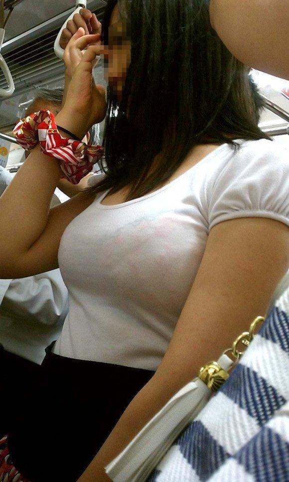 乳房がデカくて目が離せない (20)