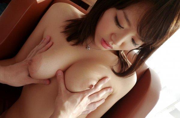 大きな乳房で男を誘う、浜崎真緒 (10)
