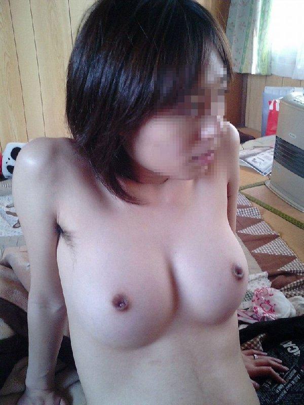 陥没している乳首って何だかエロい (19)
