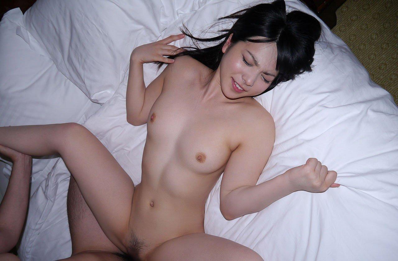 可愛い顔で精子を搾り取る、上原亜衣 (17)