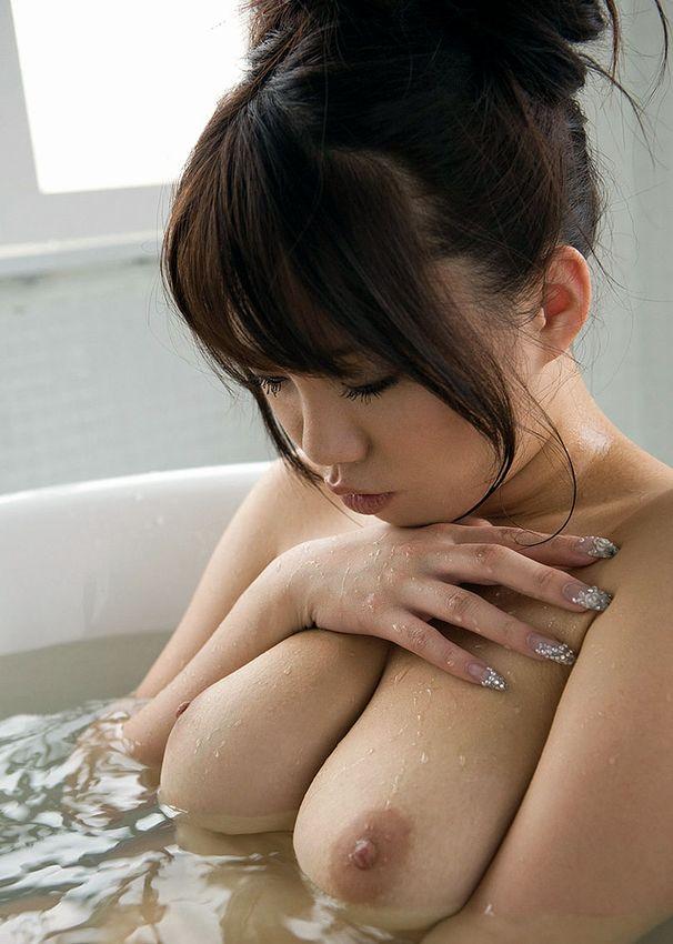 入浴中の素っ裸の女の子 (7)