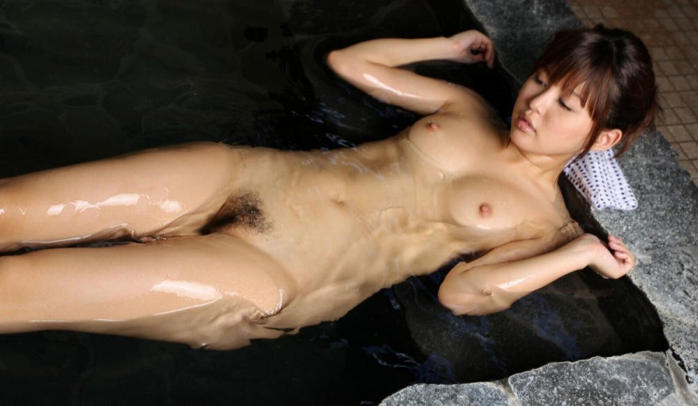 入浴中の素っ裸の女の子 (10)