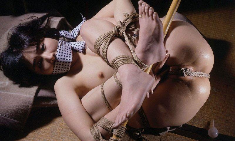 SMの初歩といえば女性を緊縛すること (12)