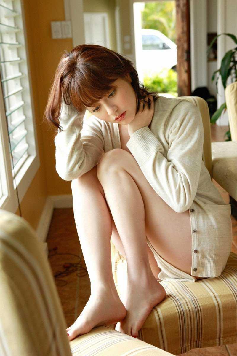 可愛い芸能人のセクシーな太腿 (2)