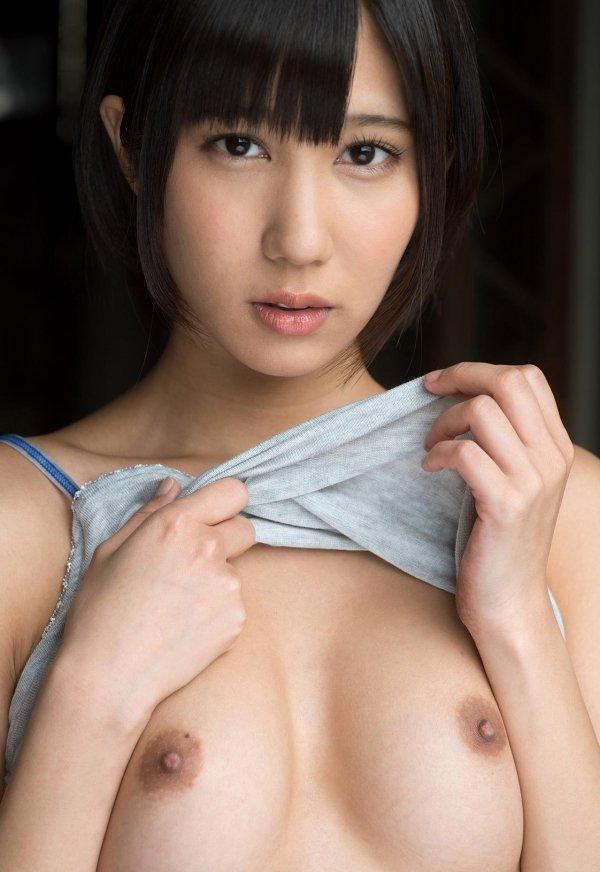 可愛いルックスで性欲全開のセックス、湊莉久 (2)