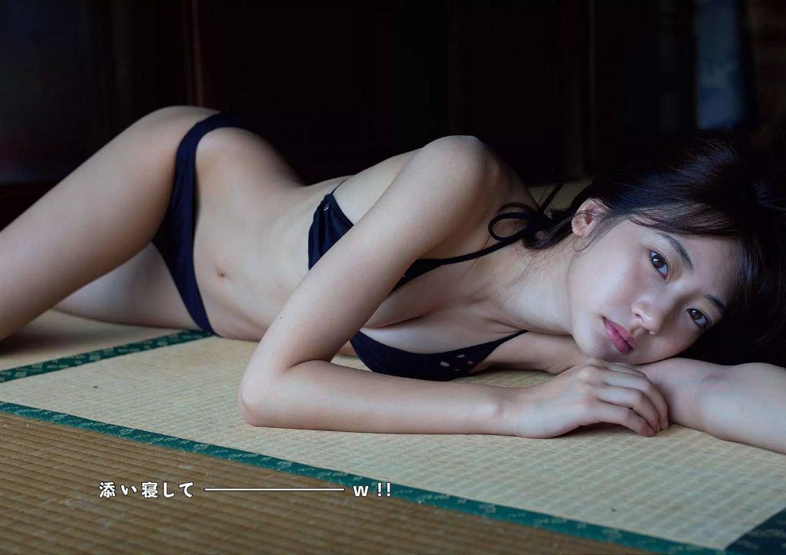 細身で可愛い期待のアイドル、武田玲奈 (18)