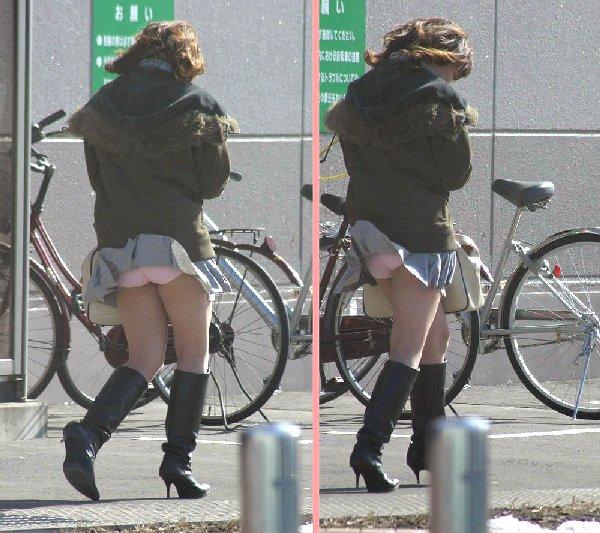 強風で下着が見えちゃった女の子 (8)