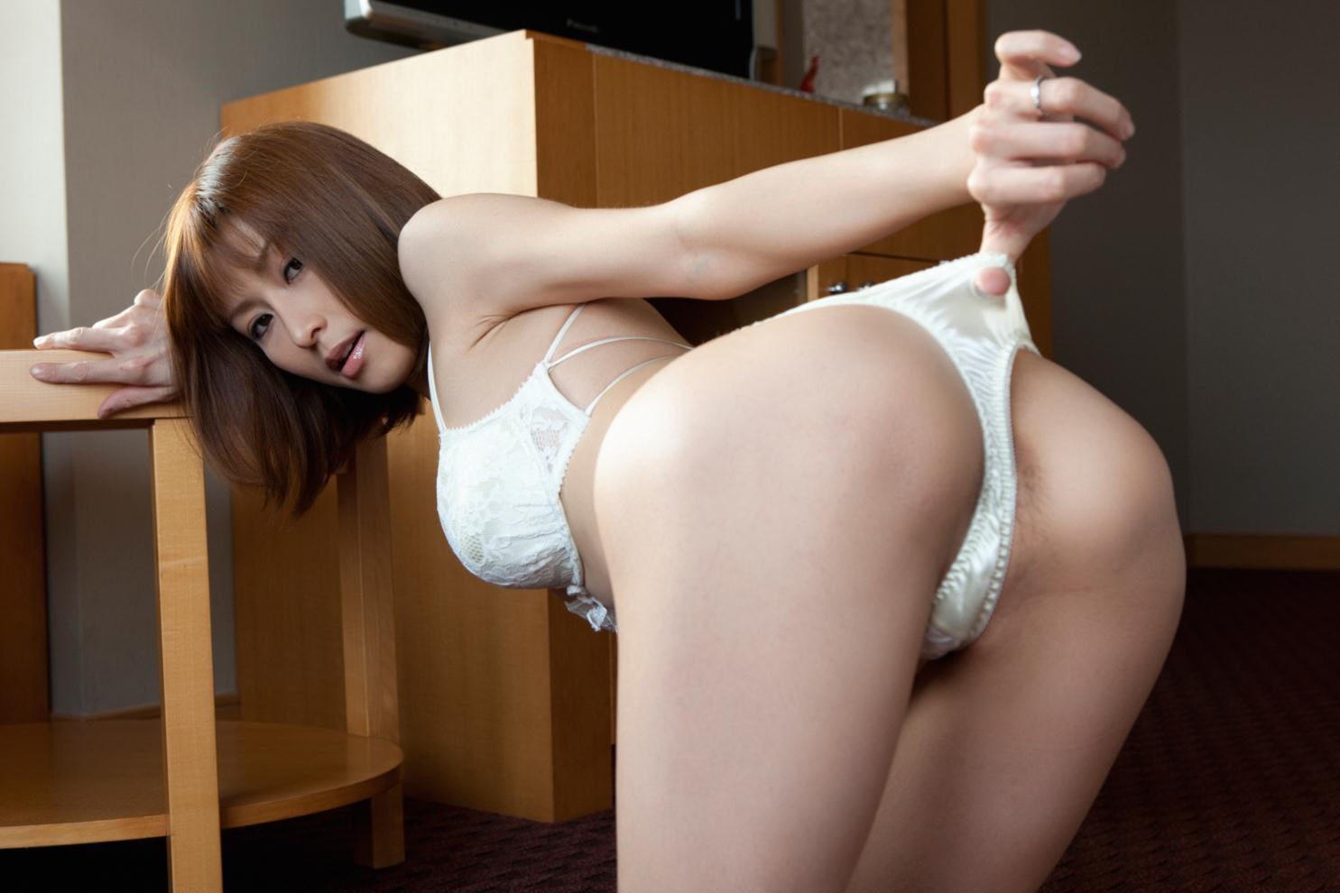 純白のランジェリーが似合う女の子 (9)