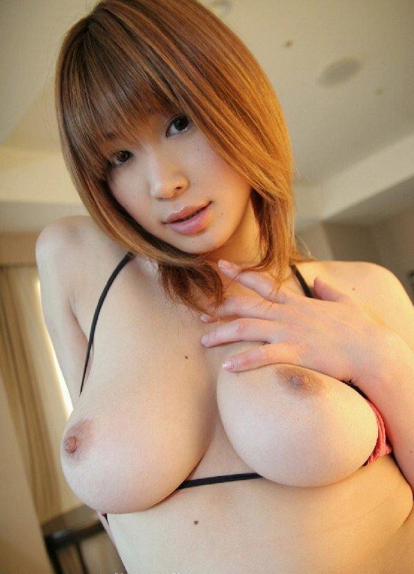 パーフェクト巨乳を持つ女の子 (16)