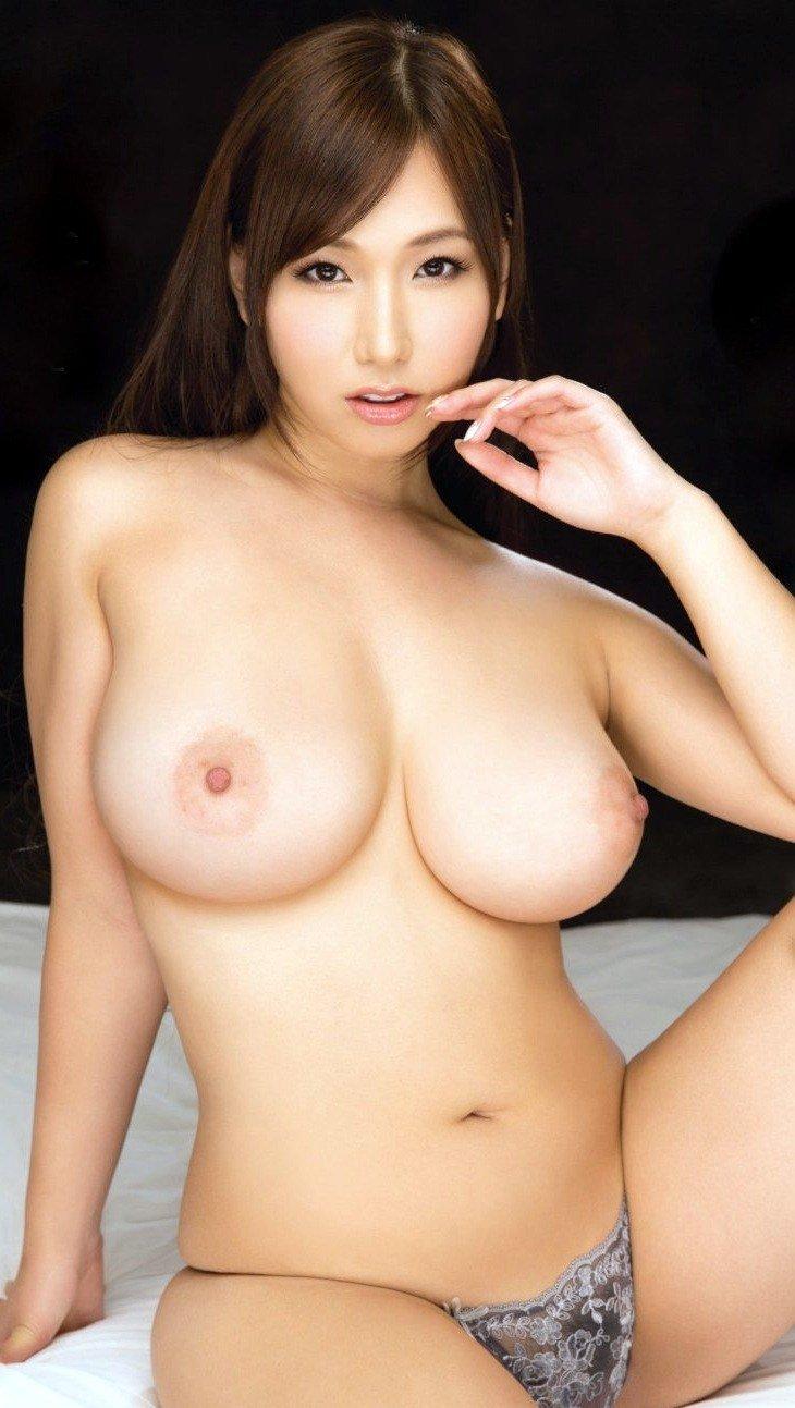 パーフェクト巨乳を持つ女の子 (11)