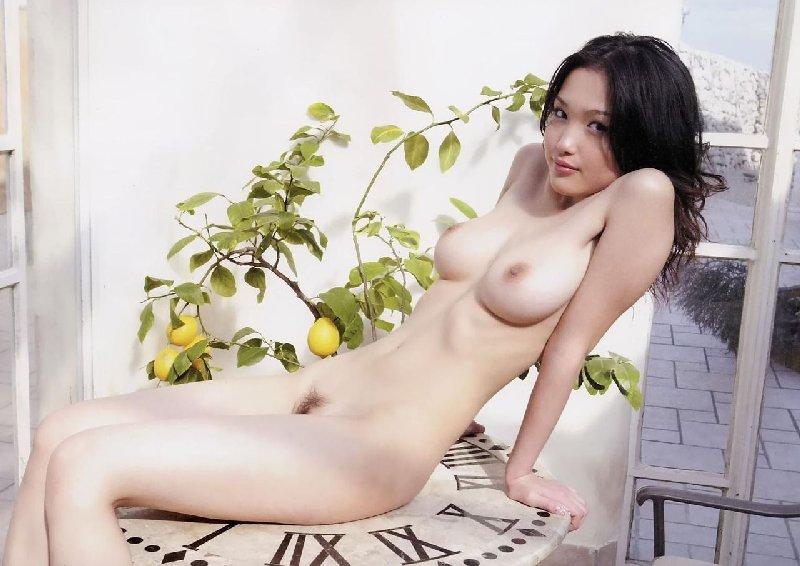 パーフェクト巨乳を持つ女の子 (15)