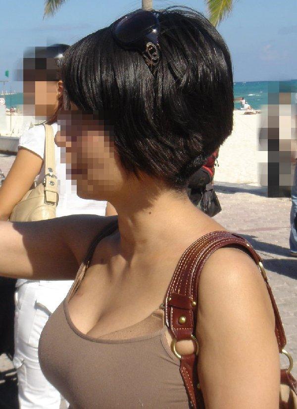 若奥様の乳房はデカすぎて揉みたい (2)