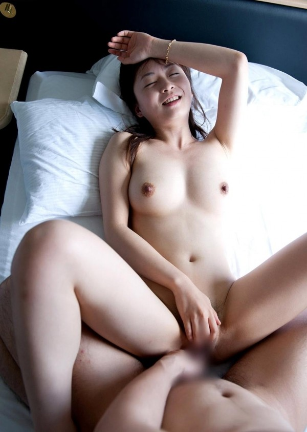 人妻っぽい妖艶さがある巨乳美人、羽月希 (11)