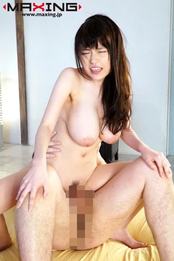 ド迫力の巨乳を揺らしてハメまくる、きみの奈津 (23)