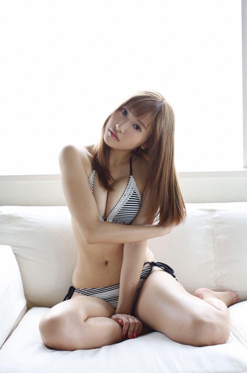 スレンダーなのに巨乳という絶品ボディの、佐野ひなこ (4)