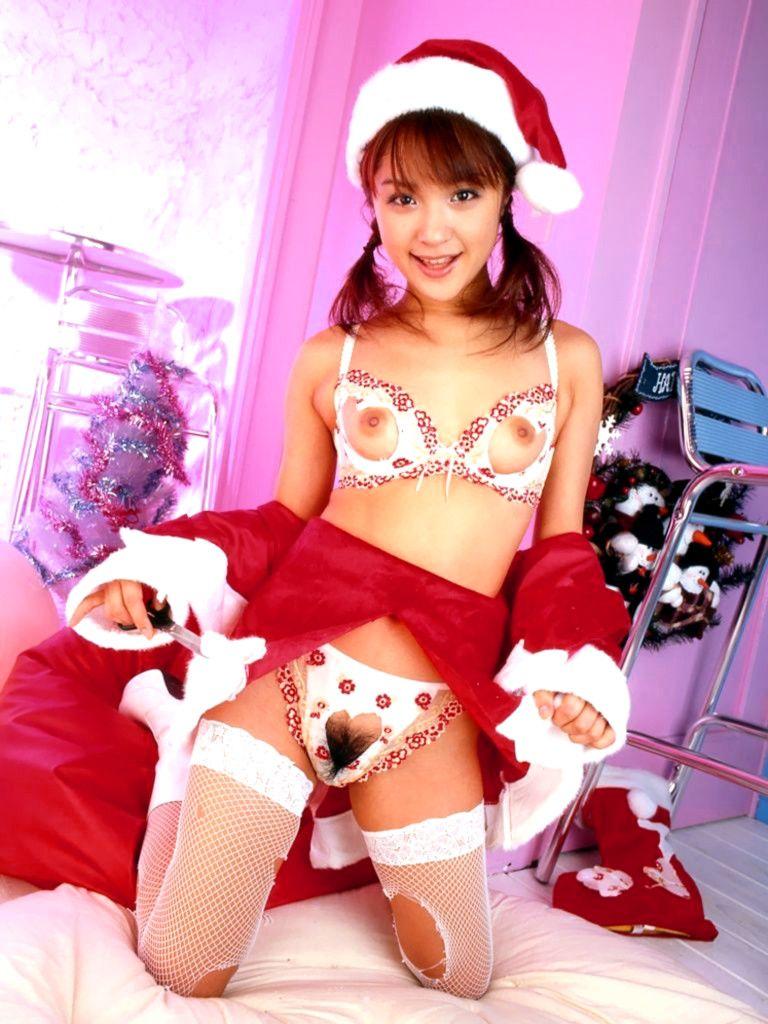 サンタクロースの格好をしたセクシー女性 (3)