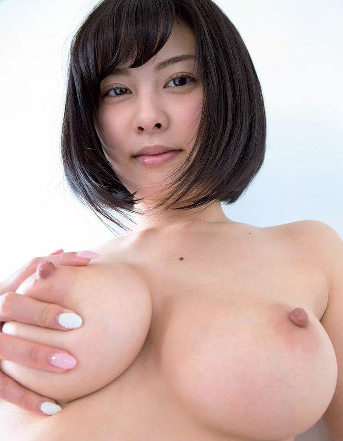 デカい乳房に吸い付いて揉みまくりたい (12)