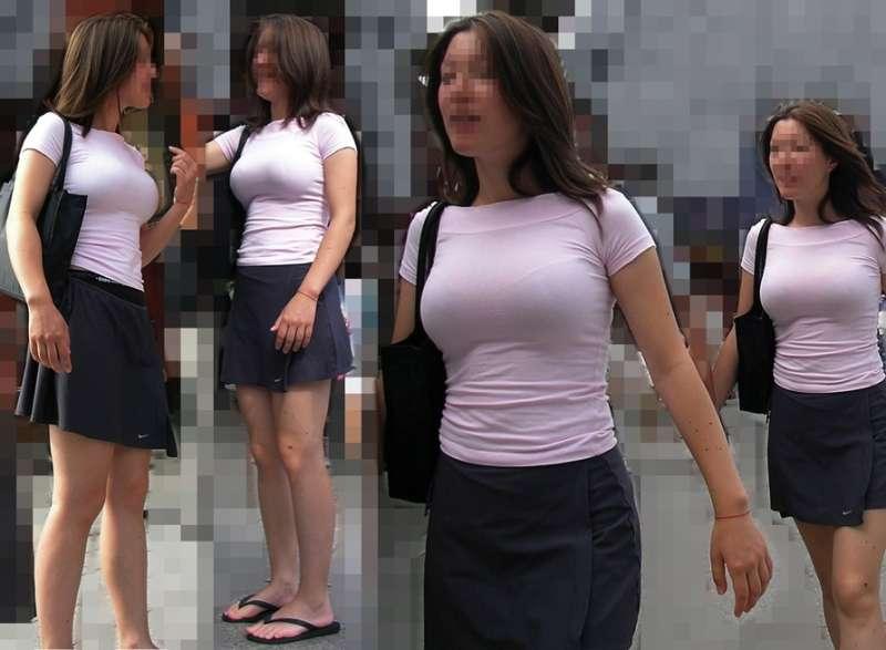 服の中の爆乳が気になる素人さん (8)