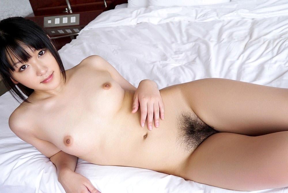 乳房は小さくてもキュートなオッパイ (18)