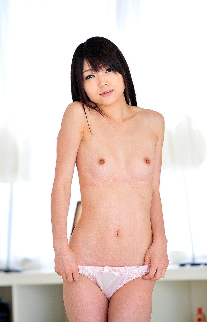 僅かに膨らんだ乳房が愛らしい貧乳おっぱい (3)
