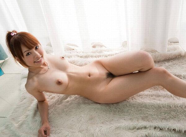 ウエストが細くて乳房が大きい曲線美 (9)