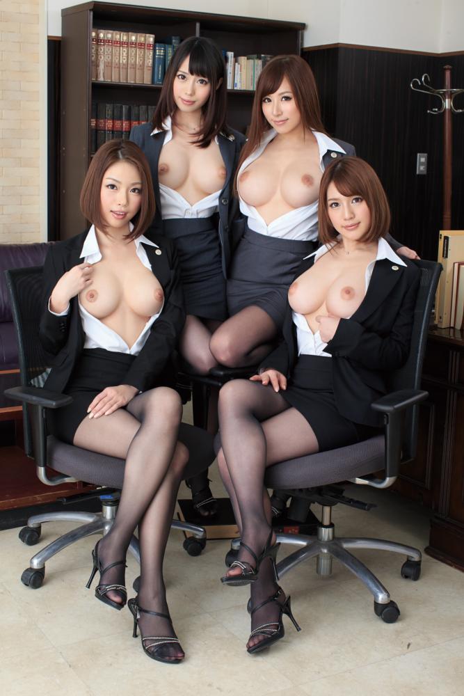 デカい乳房の女の子ばかりを集めると壮観な光景になる (9)