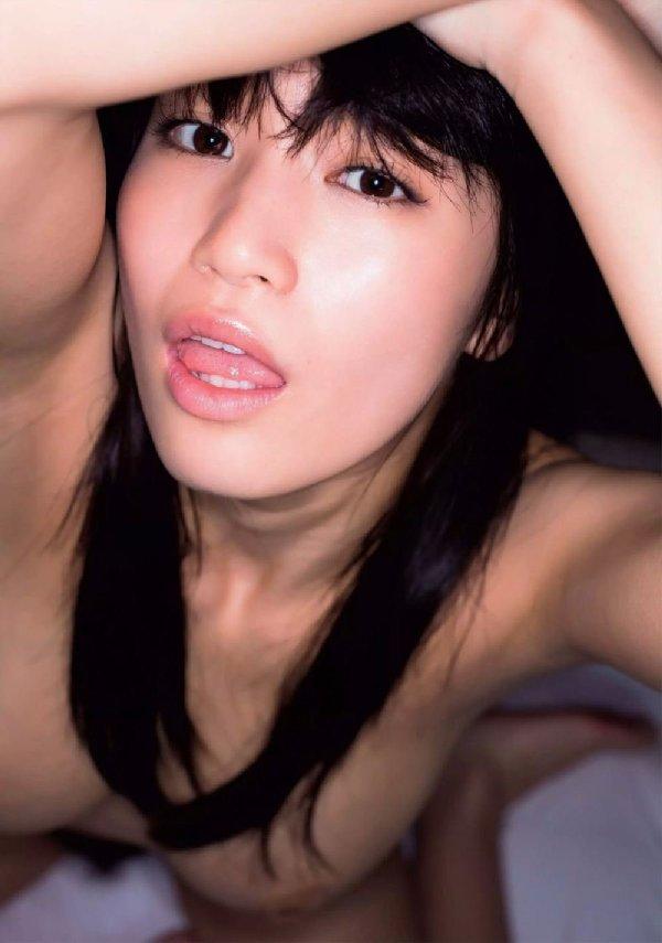グラビアアイドルからAVに転向した美乳美少女、高橋しょう子 (8)