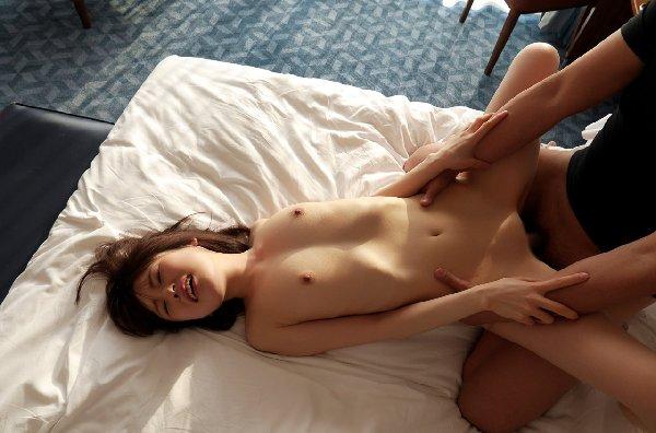 華奢なボディの膣内に射精されちゃう、土屋あさみ (7)
