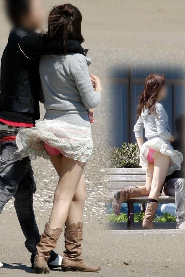 強風が吹いたら下着が見えちゃった女の子 (4)