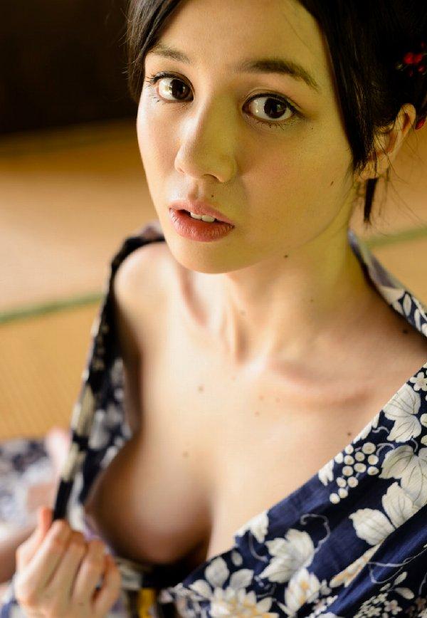 色白で可愛い子が激しくSEX、吉川あいみ (8)