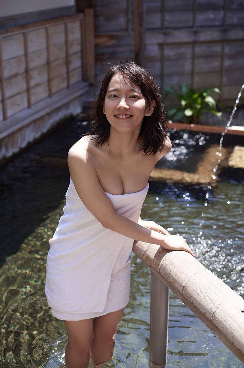 清楚な美少女なのに美乳がセクシーな、吉岡里帆 (8)
