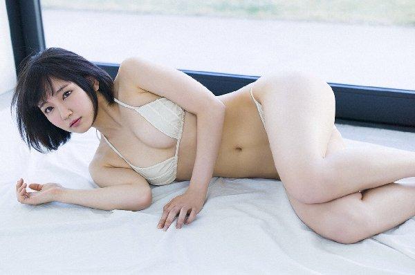 清楚な美少女なのに美乳がセクシーな、吉岡里帆 (5)