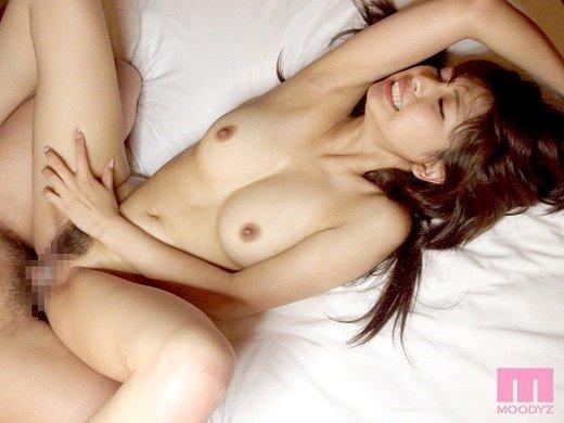エキゾチック美人が激しくSEXしまくる、秋山祥子 (15)