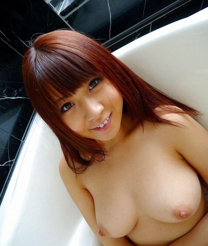 スッポンポンで入浴している子がセクシー (2)