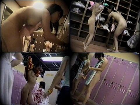 入浴するために素っ裸になってる素人さん (11)